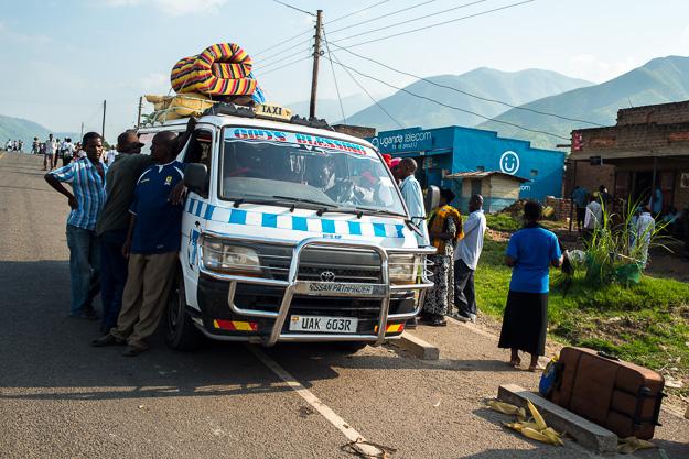 Африка Уганда маршрутки